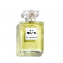 Chanel No 19 е женски парфюм със съблазнителен и изискан цветен аромат с плодови и дървесни нотки
