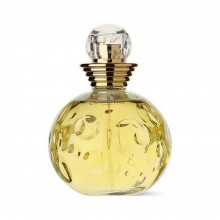 Dior Dolce Vita е женски парфюм с елегантен и вълнуващ аромат, с ухание на свежи цветя и плодове, върху ориенталска основа