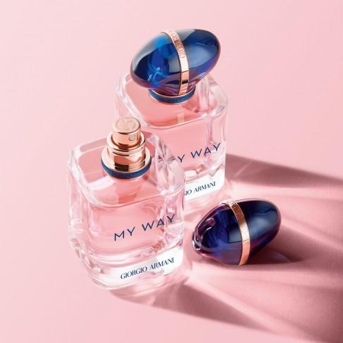 Armani My Way е женски парфюм със свеж и елегантен цветен аромат, с дървесни и мускусни нотки - 3