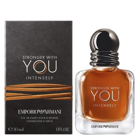 Armani Stronger with You е мъжки парфюм с плодово-цветен аромат, ориенталски нотки и пикантни подправки