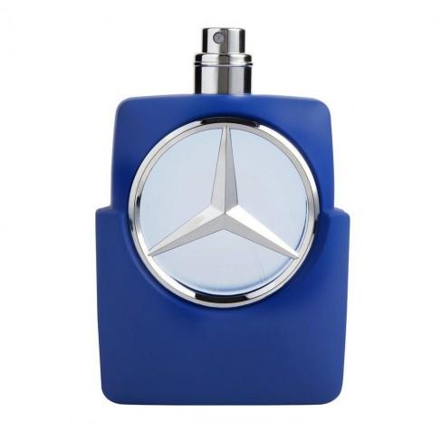Mercedes-Benz Man Blue е мъжки парфюм със свеж и чувствен ориенталски аромат, с пикантни тонове и подправки