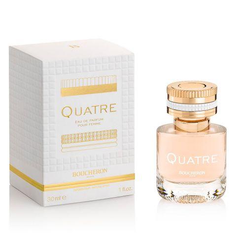 Boucheron Quatre е женски парфюм, със свеж цветно-плодов аромат и дървесни тонове, много женствен и романтичен